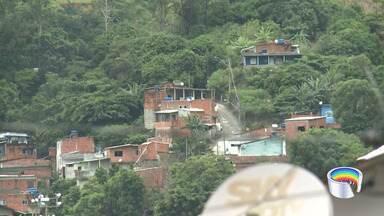 Defesa Civil de São Sebastião faz vistorias em áreas de risco - Cidade tem desalojados por causa das chuvas.