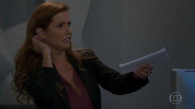 Alexia 'psicografa' carta de Kyra e deixa Rafael impressionado - undefined