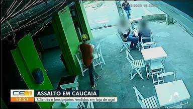 Criminosos assaltam clientes que estavam em loja de Açaí em Caucaia - Saiba mais em g1.com.br/ce