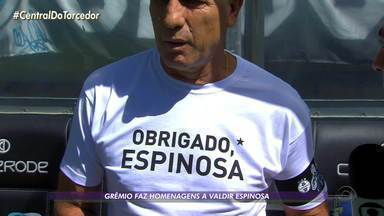 Grêmio faz homenagens a Valdir Espinosa em jogo contra o Juventude - Renato Portaluppi vestiu camiseta com o nome e número do ex-técnico.