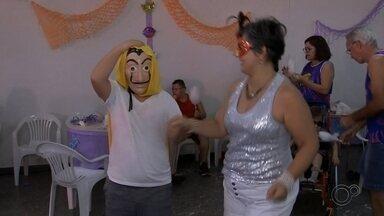 Marília realiza 3º Carnaval Especial para pessoas com deficiência - Na festa da inclusão, a maioria das participantes são parentes de crianças com algum tipo de deficiência ou condição de saúde especial. A entrada é franca.