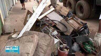 CCZ realiza ação de limpeza e recolhimento de materiais em Montes Claros - Mutirão foi realizado nesse sábado (29), no bairro Santos Reis.
