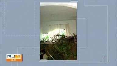 Temporal causa estragos em Rio Bonito, RJ, e mais de 600 pessoas precisam sair de casa - Forte chuva causou deslizamentos e alagamentos. Bairro Parque das Acácias foi o mais afetado e não há registro de mortos.