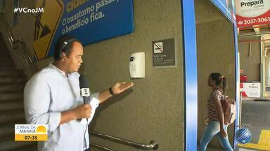 Saúde: Soteropolitanos reforçam higienização das mãos por causa do coronavírus - Nas estações de metrô, é possível encontrar o produto nas áreas de grande circulação de passageiros.