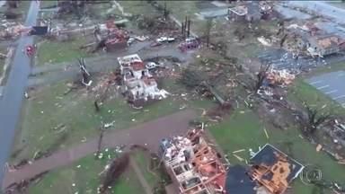 Tornados matam 25 pessoas nos Estados Unidos - Condados de Nashville, no Tennessee, foram varridos por ventos de até 250 km/h.