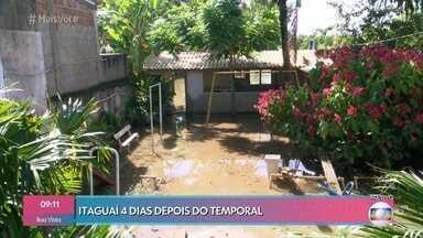 Na região metropolitana do Rio, população ainda sofre com efeitos do temporal do fim de semana - Quatro dias após a chuva, a água ainda não baixou na região de Seropédica. Desabrigados estão sendo acolhidos por voluntários e recebem doações