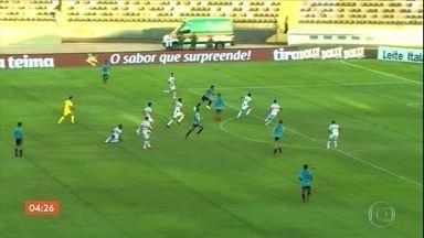 Botafogo-SP vence o São Paulo por 1 a 0 - Cléber Machado comenta a partida.