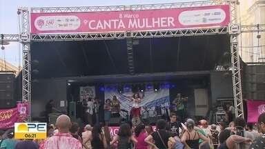 Dia Internacional da Mulher é marcado por manifestações política no Recife - Palco foi montado na Rua da Guia, no Centro da cidade.