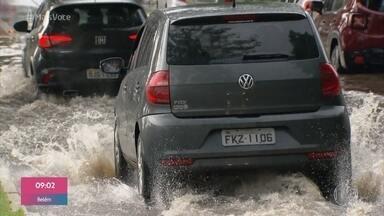 Chuva forte na tarde deste domingo em São Paulo assustou moradores - Mais de 12 mil raios foram registrados durante o temporal