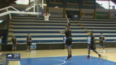 Rio Claro treina de olho nos playoffs do NBB - Equipe trabalha para repetir o desempenho fora de casa contra o Pinheiros.