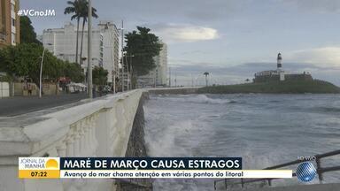 Avanço da maré atinge balaustrada no Farol da Barra, em Salvador - Situação foi registrada na tarde de terça-feira. Marinha alerta para mau tempo.