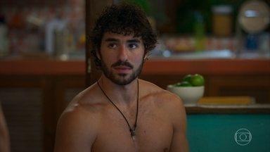Juan pede que Gabi não repita suas artimanhas - A jovem pede desculpas ao namorado de Luna