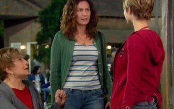 Capítulo de 09/06/2008 - Orlandinho surpreende Halley em seu quarto. Donatela pede ajuda a Lorena para afastar Cassiano e Lara, mas ela não concorda. Rita e Didu caem no poço. Irene apresenta Flora a Lara.