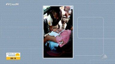 Bebê nasce dentro de carro na Estrada do Derba; parto foi feito por policiais rodoviários - Caso inusitado aconteceu na tarde de sexta-feira (13), em Salvador.