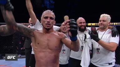Brasileiro Charles do Bronx vence o americano KevinLee na luta principal do UFC Brasília - Brasileiro Charles do Bronx vence o americano KevinLee na luta principal do UFC Brasília