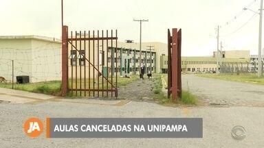 Unipampa suspende retorno das aulas - O retorno das aulas foi adiado para o dia 28 de Março.