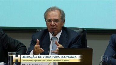 Governo anuncia pacote para combater efeitos da Covid-19 - Nesta segunda-feira (16), o ministro Paulo Guedes divulgou os detalhes de um pacote de R$147 bi para estimular a economia. O governo pode anunciar novas medidas ainda nesta terça-feira (17).