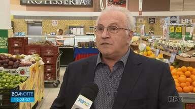 Presidente da associação dos supermercados afirma que não há desabastecimento no Paraná - A falta de alguns produtos é devido ao aumento na procura, o que atrasa a reposição dos estoques.
