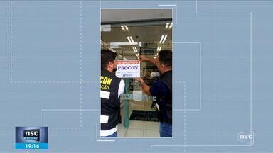 Farmácia de Florianópolis é interditada por aumento abusivo no preço de álcool em gel - Farmácia de Florianópolis é interditada por aumento abusivo no preço de álcool em gel