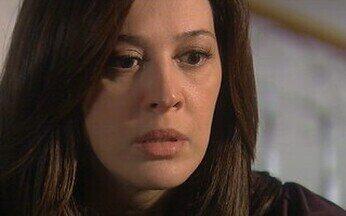 Capítulo de 12/06/2008 - Donatela implora que Lara não se mude. Alícia faz proposta a Halley. Irene descobre que Donatela está monitorando passos de Flora. Donatela não entende ao ver Irene com Flora.