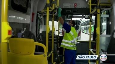São Paulo reforça a limpeza e higienização de ônibus - A medida começou a valer desde o começo da semana.