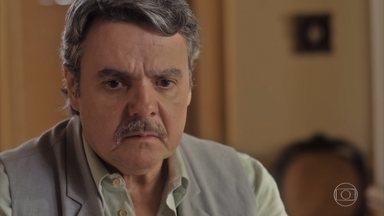 Inês confessa a Afonso que espera um filho de Alfredo - Ela pede que o pai se afaste de Lola