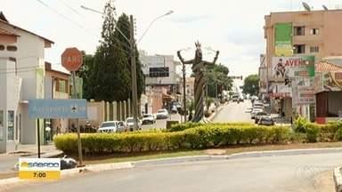 Prefeitura determina férias aos servidores em Mineiros - Medida foi tomada para conter o avanço do coronavírus na cidade.