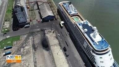 Viajantes deixam navio retido no Recife por causa do novo coronavírus - Viajantes deixam navio retido no Recife por causa do novo coronavírus