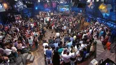Ivete Sangalo, Claudia Leitte, Daniela Mercury e Margareth Menezes abrem o programa - Programa começa em alto astral com as cantoras exaltando a Bahia e o carnaval