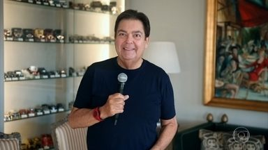 Em casa, Faustão, faz declaração sobre o coronavírus - O apresentador explica o porquê não há programa ao vivo e anuncia as 'Histórias do Domingão'