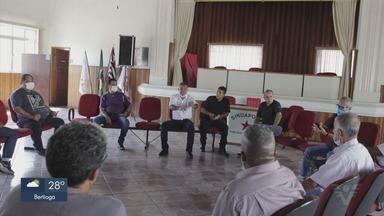 Representantes de trabalhadores do porto se reúnem para discutir condições de trabalho - Renda mínima do portuário afastado e itens de proteção para trabalhar na época do coronavírus foram discutidas em reunião.