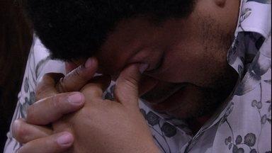 Mari consola Babu: 'Força, você não está sozinho, não' - Mari consola Babu: 'Força, você não está sozinho, não'