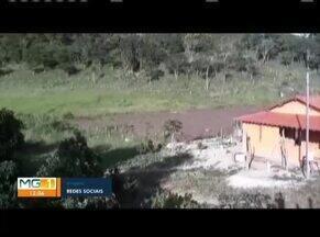Barragem se rompe na zona rural de Novo Cruzeiro; ninguém ficou ferido - Segundo a Defesa Civil, a água invadiu cinco casas construídas perto da barragem; equipes da Prefeitura estão no local na manhã desta terça-feira (31).