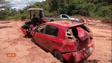 Temporal destrói principal estrada usada para escoamento da safra de grãos no PI - Comunidades enfrentam o isolamento e veículos ainda estão soterrados.