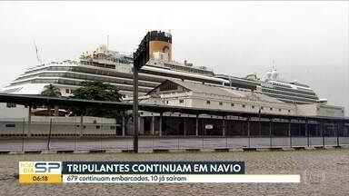 Tripulantes continuam em navio atracado em Santos - A suspeita de contágio pela Covid-19 impede que eles desembarquem. Apenas 10 saíram.