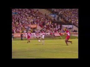Mesmo com derrota por 2 a 1 para Santa Cruz, Náutico é bicampeão pernambucano em 2002 - Mesmo com derrota por 2 a 1 para Santa Cruz, Náutico é bicampeão pernambucano em 2002
