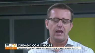 Criminosos aproveitam correria para cadastro e regularização do CPF para praticar golpes - No Brasil, 7 milhões de pessoas já foram vítimas de golpes.