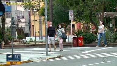 Prefeitura de Santa Maria recomenda o uso de máscaras para toda a população - Decreto determina que moradores de São Sepé devem obrigatoriamente usar máscaras nas ruas.
