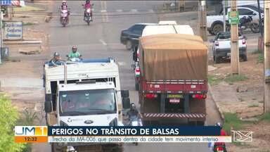 Motoristas temem o risco de acidentes na MA-006 em Balsas - Com o pico de escoamento da safra de grãos, aumentou o perigo na rodovia estadual.
