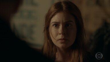 Eliza joga o dinheiro de Arthur para os mendigos - Max tenta ajudar Arthur e acaba atrapalhando. Eliza chega tensa em casa