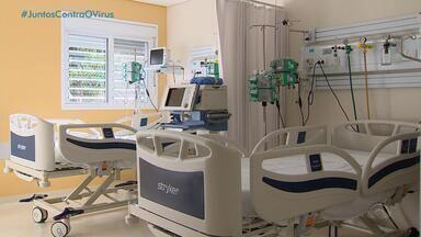 Grupo hospitalar dobra capacidade de leitos para pacientes de Covid-19 em Porto Alegre - Profissionais de manutenção reformam ventiladores mecânicos.