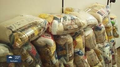 Prefeitura de São Vicente distribui kits para famílias da cidade - Tem campanha para arrecadar alimentos e ajudar nos kits que serão distribuídos.