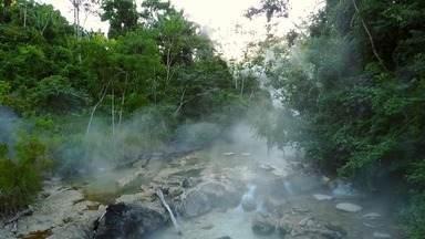 Globo Repórter - Amazônia peruana - 17/04/2020 - 'Globo Repórter' relembra expedição ao rio de águas ferventes da Amazônia peruana.