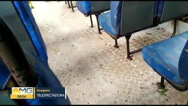 Telespectadora registra ônibus muito sujo rodando em Igarapé - A empresa responsável pela linha, informou que os ônibus passam por higienização diariamente. E que o veículo mostrado pela telespectadora, estava empoeirado, porque a empresa precisou usar um ônibus de uma outra linha.
