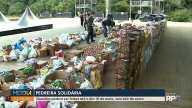 Doações de alimentos e material de higiene podem ser entregues na Pedreira Paulo Leminski - Palco de tantos shows em Curitiba, agora está aberto para a solidariedade. Doações podem ser feitas até o dia 10 de maio, sem sair do carro.
