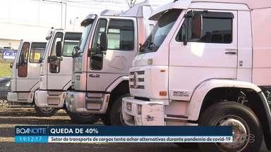 Movimento de cargas diminui 40% no Paraná durante a pandemia - Setor de transporte tenta achar alternativas durante pandemia de Covid-19.