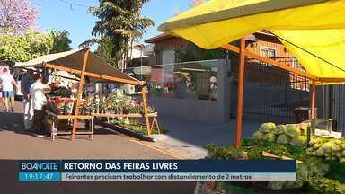 Feiras livres são retomadas em Londrina - Feirantes precisam seguir uma série de regras por causa do coronavírus