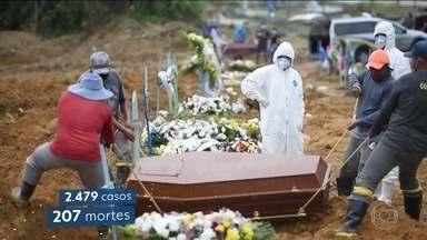 Número de enterros nos cemitérios públicos de Manaus atinge novo recorde - A estrutura insuficiente de atendimento a pacientes com Covid-19 tem levado famílias ao desespero.