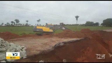 Chuvas de abril provocam estragos nas estradas no Maranhão - Na quarta-feira (22) na região do Médio Mearim houve rompimento de um trecho da BR-316.
