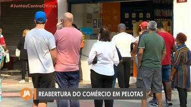 Decreto permite a reabertura de comércio em Pelotas com algumas restrições - Funcionários e clientes devem permanecer de máscaras de proteção.